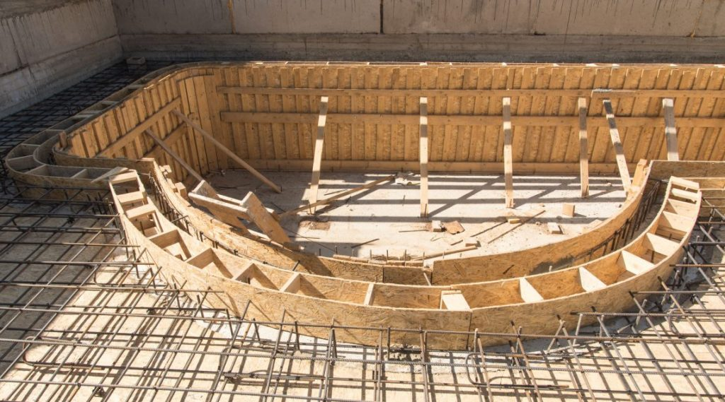 Pool-construction-rebar-and-retaining-walls-5911fad712ff0-1140x633